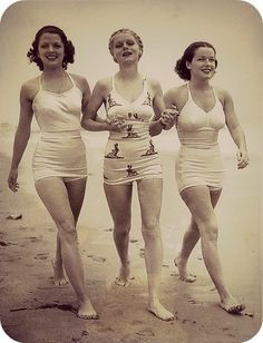 1930's swimsuit, look a lot like underwear/sleeping outfits for me. I think they use stretchy cotton for the swimsuit. | http://your-vintage-lifestyles.blogspot.com