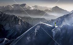 Skier on Mountain Top - Fototapeter & Tapeter - Photowall