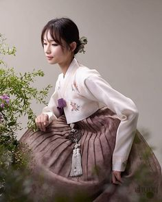 Hanbok. Fade pastel colors tempt me. This is the ordinary people's style at Choseon Dynasty.