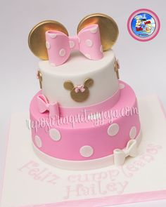 Super first birthday girl cake minnie mouse Minnie Mouse Party, Minni Mouse Cake, Bolo Da Minnie Mouse, 1st Birthday Cake For Girls, Minnie Mouse Birthday Decorations, Minnie Mouse First Birthday, Minnie Cake, Princess Birthday, 2nd Birthday