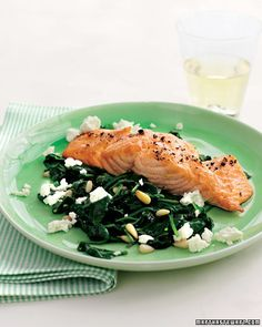 15 Minutes or Less Main Dish Recipes  Broiled Salmon with Spinach-and-Feta Saute    When you only have 15 minutes to cook, you can still make a tasty main dish. Choose from 25 super-fast recipes.