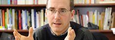 Gaël Giraud, directeur de recherche au Centre d'économie de la Sorbonne, spécialisé en économie mathématique, et membre depuis 2004 de la co...