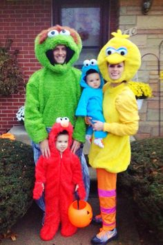 31 Absolutely Adorable Halloween Costumes for the Entire Family
