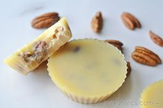 White Chocolate Butter Pecan Fat Bombs - Keto Fat Bombs | Tasteaholics.com