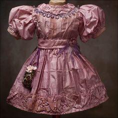 antique doll dress   Antique dolls at Respectfulbear.com