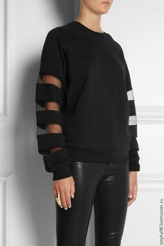 sweatshirt- Urban chik - sweatshirt, sweater, moda, style, jersey - New In Tops Fashion Details, Look Fashion, Fashion Outfits, Womens Fashion, Fashion Design, Diy Vetement, Cotton Fleece, Mode Inspiration, Mode Style