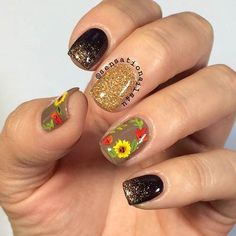 Today we have 30 of the Best Fall Nail Art Designs! Nail Art is our favorite but fall nail art is even better! We love the fall season and really love the color choices that these lovely nails utilize to create the vibe. Nail Art Designs 2016, Fall Nail Designs, Fancy Nails, Trendy Nails, Thanksgiving Nail Art, Sunflower Nails, Nagellack Trends, Autumn Nails, Beautiful Nail Designs