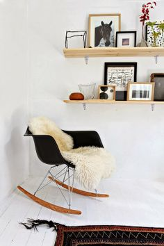 EAmes rocking chair you may like:) White Wooden Rocking Chair, Eames Rocking Chair, Eames Chairs, Eames Rocker, Vitra Chair, Swivel Chair, Deco Time, Home Living Room, Living Spaces