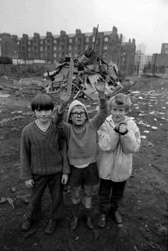 children with their guy fawkes bonfire - tony hall, east end london.