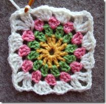 Granny squares... Circle in a square.  In Nowegian and English.