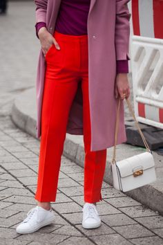 How to style red pants - COLOR BLOCKING AT BERLIN FASHION WEEK | LIVIA AUER