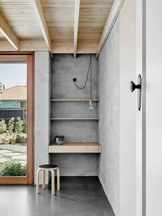 Architect Rob Kennon's most recent projects today, the Lees House in Northcote, Victoria, features an abundance of raw materials and plywood, which combined with the grey and black accents throughout the home create a serene and calm air. Art Deco Home, Plywood Design, Home, Cheap Home Decor, Home Remodeling, Interior, House, House Interior, Interior Architecture