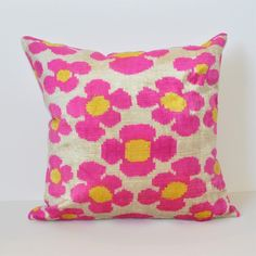 Colorful Throw Pillows, Decorative Throw Pillows, Pillow Talk, Throw Pillow Sets, Sorority Room Decorations, Dorm Pillows, Orange Rooms, Room Wanted, Retro Bedrooms