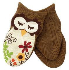 Sleepy Owl Oven Mitt 0 These cute oven mitts make me want to cook.