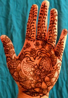 mendhi...I know it's not a tattoo...But I love henna : )