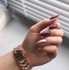 39 Trendy Fall Nails Art Designs Ideas To Look Autumnal & Charming - Hair and Beauty eye makeup Ideas To Try - Nail Art Design Ideas Dark Nail Designs, Fall Nail Art Designs, Dark Nails, Long Nails, Cute Nails, Pretty Nails, Hair And Nails, My Nails, Autumn Nails