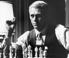 Thrue style is timeless. Just look at the movie Thomas Crown Affair from 1968. A perfect combo of glossy magazine and intrigue novel. Faye Dunaway & Steve McQueen - one of the most stylish couples...