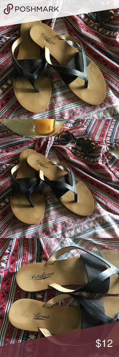 🕶Lucky Brand Flip Flops w Elastic Band🕶 Super cute, casual and comfy flip flops by lucky brand. There's some wear on the insole but other than that they're in great condition. I found these super comfortable due to the elastic band, these were like the only flip flops I could stand, I just don't wear them anymore because I don't have room. As always, ask any questions in the comments!! Lucky Brand Shoes Sandals