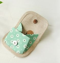 Cute Sewing Projects, Sewing Tutorials, Sewing Crafts, Coin Purse Pattern, Purse Patterns, Coin Purse Tutorial, Creative Bag, Rick Rack, Diy Handbag