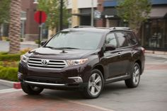 Toyota Highlander Sport  - Please call (702) 262-6214 to reserve your vehicle today.