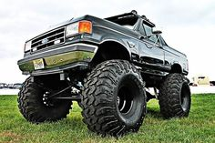 Lifted Trucks USA ONLY ford i would drive. Lowered Trucks, Jacked Up Trucks, Old Ford Trucks, Cool Trucks, Pickup Trucks, Mudding Trucks, Truck Tailgate, Ford Bronco, Ford 4x4