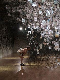 Chiharu Shiota - Letters of the Thanks Installation Artistic Installation, Light Installation, Paper Installation Art, Instalation Art, Scenic Design, Sculpture Art, Metal Sculptures, Abstract Sculpture, Bronze Sculpture