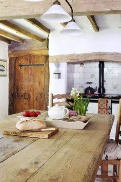 Beautiful English Cottage with the wooden beams and Farmhouse table~%categories%Kitchen Style Cottage, English Cottage Style, French Cottage, Cottage Living, Cottage Bedrooms, Country Living, Tudor Cottage, Old Cottage, Rustic Cottage