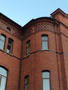 Samhällsvetenskapliga fakulteten [Faculty of Social Sciences] ([former] Barnbördshus Övre Husargatan), Göteborg (architect Axel Kumlien c. 1900)
