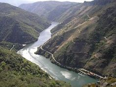 Cañóns Do Sil, Ribeira Sacra The steep sides of this incredible canyon are terraced and they produce some amazing wine. A truly off the beaten track wine region to visit Andalusia, Terrace, The Incredibles, Italy, River, Outdoor, Memories, Amazing, Turismo
