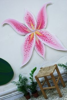 Fiore dipinto su compensato sagomato.  #lilium #paintonwood  #flowerpink  #flowerpainting