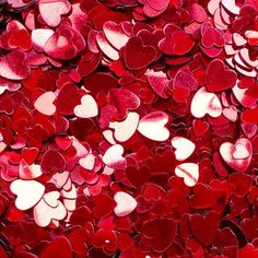 Image about heart in Love♥ by Dani🌹 on We Heart It Aesthetic Colors, Aesthetic Pictures, Aesthetic Backgrounds, Aesthetic Wallpapers, Red Wallpaper, Photo Wall Collage, Small Heart, Shades Of Red, Be My Valentine