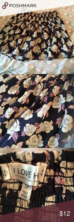 I love H81 Rose print mini, small I love H81 Rose print mini, small, elastic waist, super cute I love H81 Skirts Mini