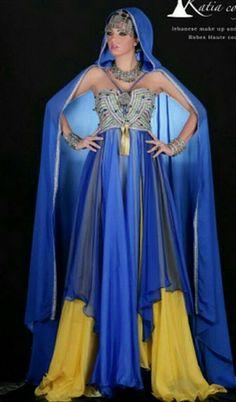 #TraditionalCostumeOfAlgeria #الملحفة_الشاوية + #الحلي_الجزائري التقليدي.   #الجزائر #مصر #فلسطين #سوريا #السعودية #الكويت #البحرين #قطر #العراق #عبايات #دراعات #فستان #فستان_سهرة #موضه #Dress #TraditionalAlgerianDresses #TraditionalAlgerianOutfits #AlgerianFashion #FashionDesign #Style #Mode #Algeria #Algerie #Djazair #dzair #dz الجزائر# #Kabyle #Kabylie #Amazigh #Berbere #Imazighen #Arab #3arab #Arabe #unesco #Culture #World #patrimoine #jewelry #Bijoux