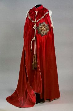 Order of the Bath, G. (Military), Knight Grand Cross mantle with Collar. Grand Cross, Royal Dresses, Best Wear, Royal Jewels, Character Outfits, Historical Clothing, Vogue, Gowns, Chivalry