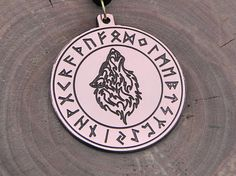 Wolf in runic circle pendante Vikings necklace