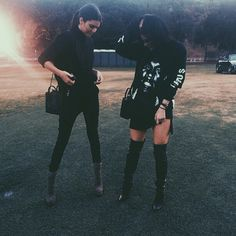 Community Post: 20 Times Kylie Jenner Proved Black Is The Only Color You Need In…
