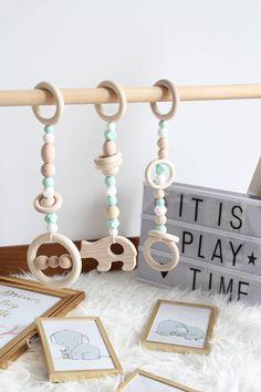 Mint houten spelen sportschool speelgoed / Set van 3 speelgoed / Safe voor tandjes krijgen / gemaakt van natuurlijke houten kralen en food grade siliconen kralen