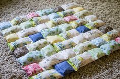 Quilting Unplugged: Sew a Pillow Quilt {tutorial too!} — SewCanShe | Free Daily Sewing Tutorials