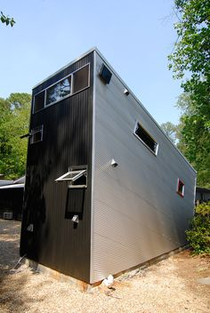 Scott Dorman's modern backyard shed/studio