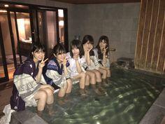 Aesthetic Japan, Japanese Aesthetic, Aesthetic Girl, Japanese Teen, Japanese School, Akira Anime, Korean Best Friends, Self Photography, Pose Reference Photo