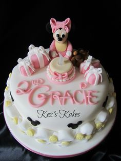 Baby Minnie Mouse Cake.
