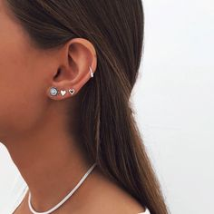 Cool Ear Piercings Nose Piercings - Cool ear piercings , coole ohrlöcher , piercings d'oreille cool , perforaciones fr - Innenohr Piercing, Ear Piercings Orbital, Pretty Ear Piercings, Spiderbite Piercings, Ear Piercings Industrial, Ear Piercings Chart, Double Ear Piercings, Ear Peircings, Types Of Ear Piercings
