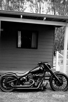 Custom Choppers, Custom Harleys, Custom Motorcycles, Custom Bikes, Custom Bobber, Street Bike Helmets, Street Bikes, Bobber Motorcycle, Motorcycle Style