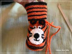 BiBa - Käsityöohjeet: neuletossut, villatossut, virkatut tiikeri-tossut - ohjeet Crochet Slippers, Knitting Needles, Wool Yarn, Crafts, Color, Stuff Stuff, Manualidades, Colour, Slippers Crochet