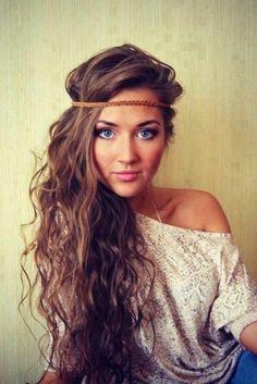 La coiffure hippie des cheveux longs