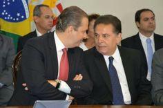 Eduardo Campos renuncia ao mandato e Lyra anuncia secretariado