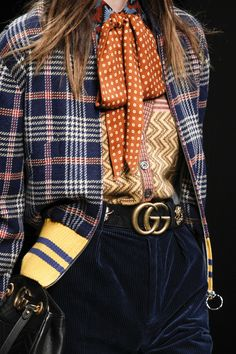 The complete Gucci Fall 2016 Ready-to-Wear fashion show now on Vogue Runway. Gucci Fashion, Moda Fashion, Runway Fashion, High Fashion, Winter Fashion, Fashion Show, Womens Fashion, Fashion Trends, Trendy Fashion