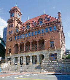 Discover Richmond: Historic Buildings