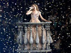 Taylor Swift speak now tour love story