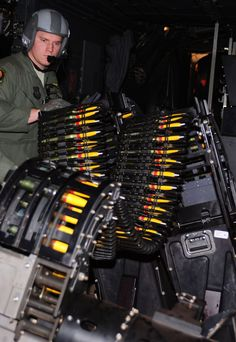 ac 130 inside 920 9 Inside the deadly AC 130 Spectre/Spooky/Stinger II. New Aircraft, Military Aircraft, Osprey Helicopter, C130 Hercules, Ac 130, Military Guns, Army & Navy, Us Air Force, Air Show